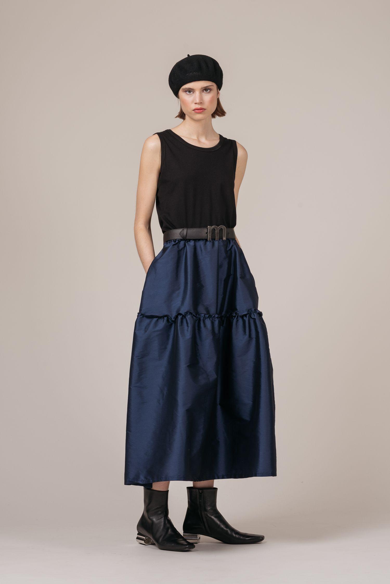 La firma de moda vasca minimil reivindica sus valores de marca y su origen ante estos tiempos inciertos