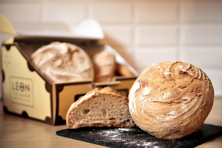Leon the Baker explica los motivos por los que hay que tomar pan con masa madre